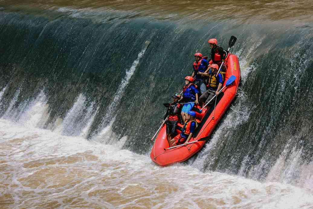 Rafting Arung Jeram Magelang Sungai Progo Hulu